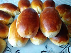 Фото к рецепту: Тающие во рту пирожки с волшебной начинкой