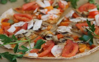 Пицца на тортилье