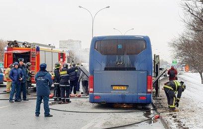 В Москве загорелся экскурсионный автобус с детьми