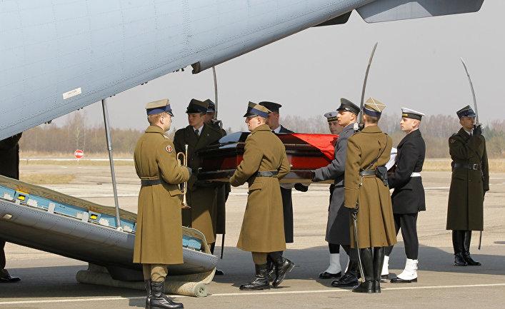 Игры вокруг обломков польского самолета