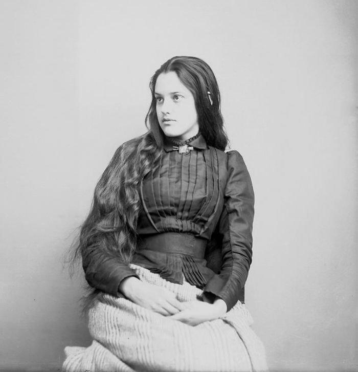 Марсия Паскаль, получерок, дочь офицера армии Джордж У. Пасхаль, 1880-е годы женщины, индейцы, красота, племена, прерии