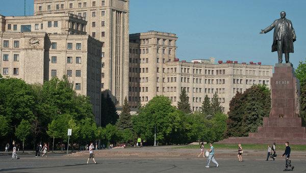 РИА Новости: СМИ: 500 милиционеров уволены в Харькове за отказ ехать в зону АТО