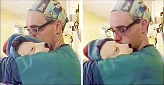 Маленький щенок плакал от испуга, но мужчина смог успокоить малыша