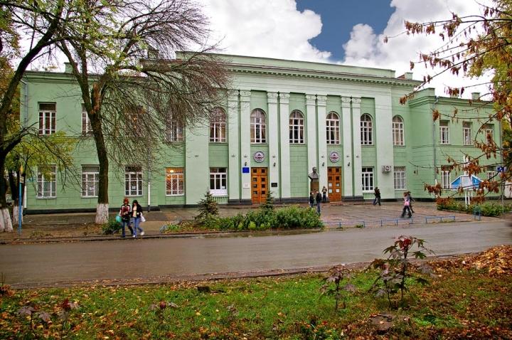 В Таганроге предприниматель украл у авиационного колледжа 5 миллионов рублей