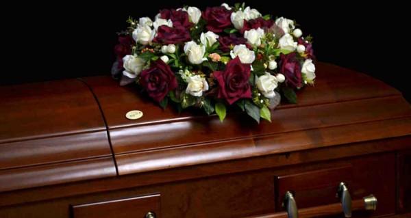 Россиянин тайком похоронил м…