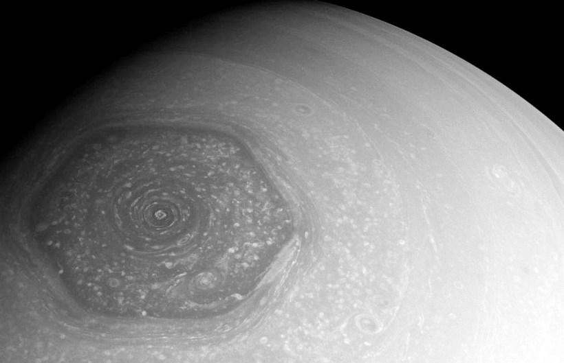 В атмосфере Сатурна существу…