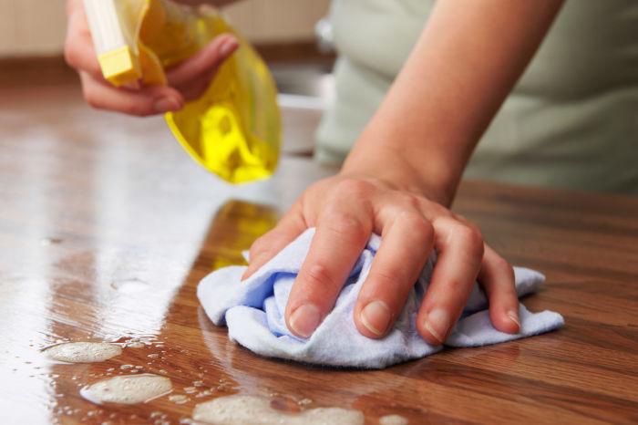 Как спасти поверхность мебели от истлевания, царапин и прочих напастей
