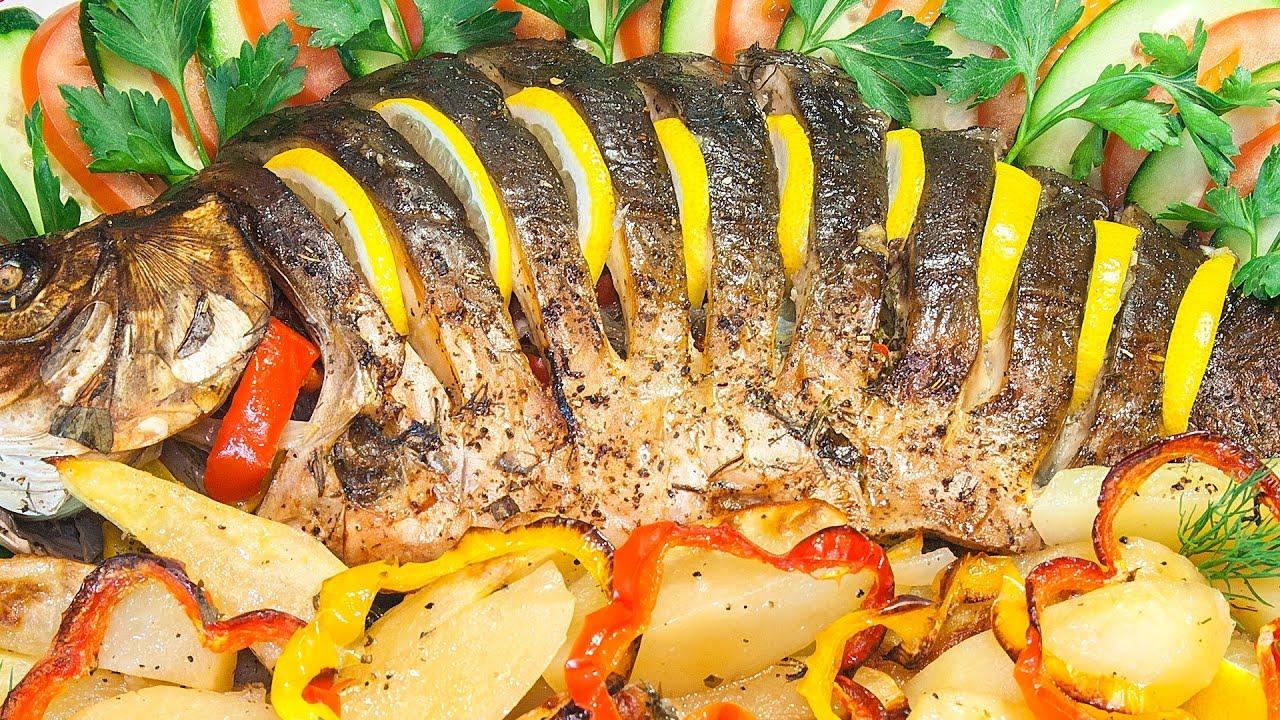 Рыба, запеченная с картофелем и овощами фото
