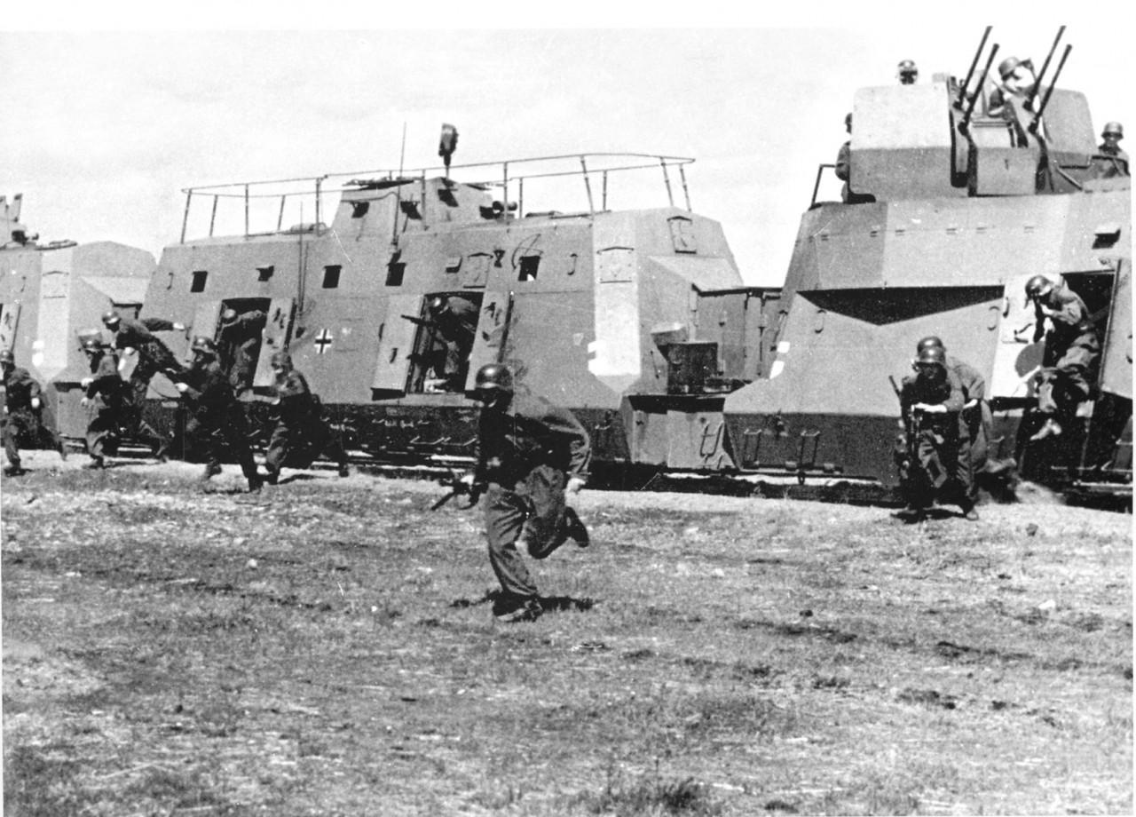 Он в одиночку отбил 16 контратак, остановил бронепоезд, уничтожил 150 солдат неприятеля