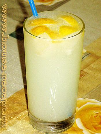 Напиток из сыворотки и лимона.