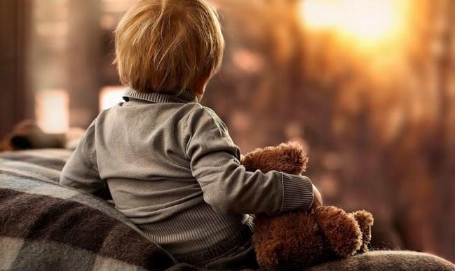 МОЖЕТ МНЕ УМЕРЕТЬ, БАБУШКА? Душераздирающий рассказ про жизнь ребёнка от первого, неудачного брака.