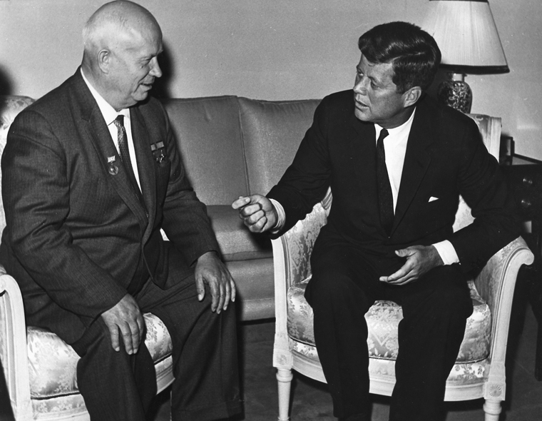Как Хрущёв делал «подарки» Западу и существенно ухудшил военно-стратегическое положение СССР