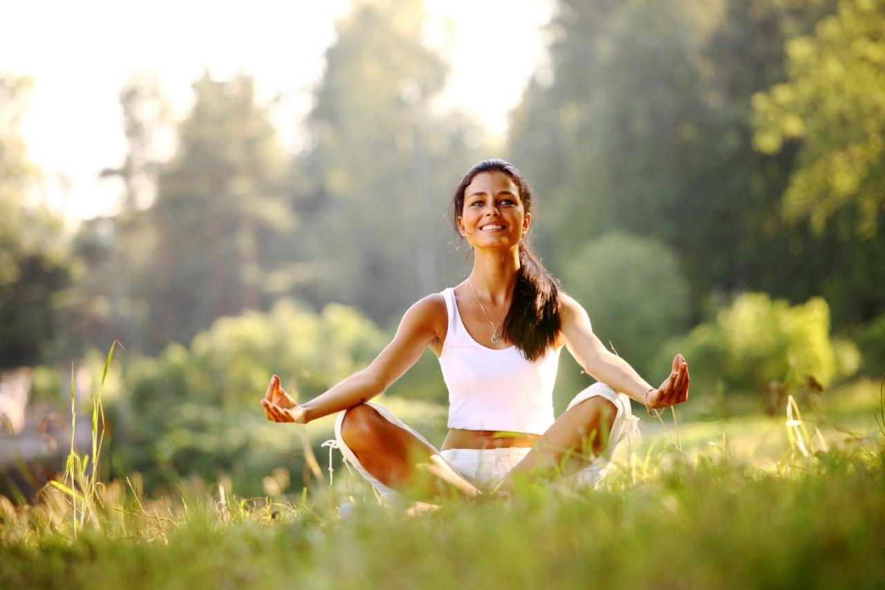Действенное оружие против бессонницы! 6 простых поз йоги для крепкого и спокойного сна