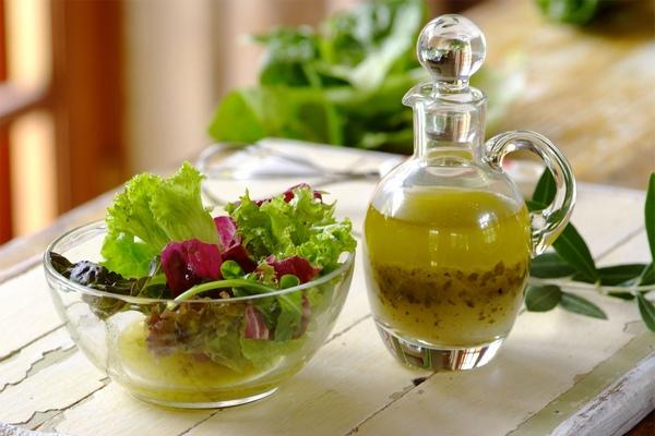 Ароматная лимонная заправка для салата