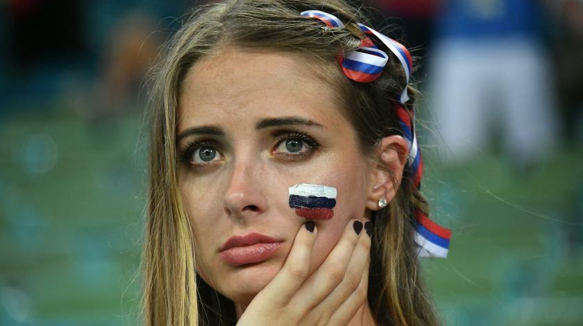 Россиянки рыдают: болельщики уехали домой
