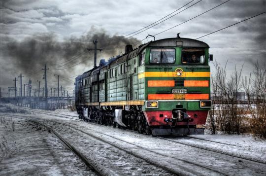 """Поезд """"Мурманск - Санкт-Петербург"""" изменил расписание ради школьницы"""