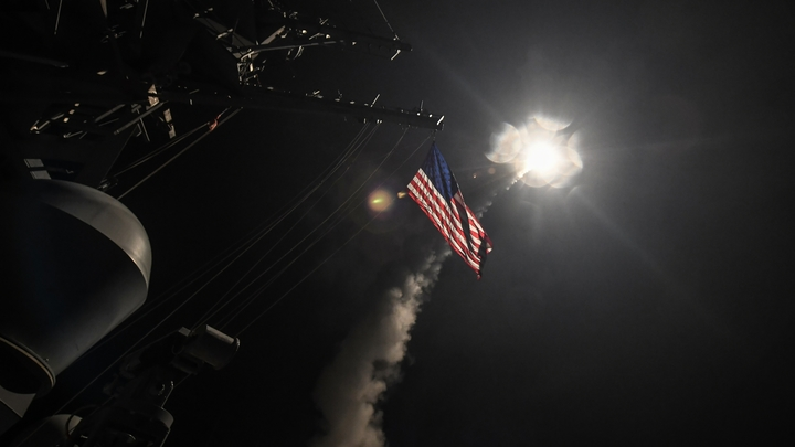 """""""США обезумели от своей вседозволенности"""", но ответ могут дать Россия и Китай"""