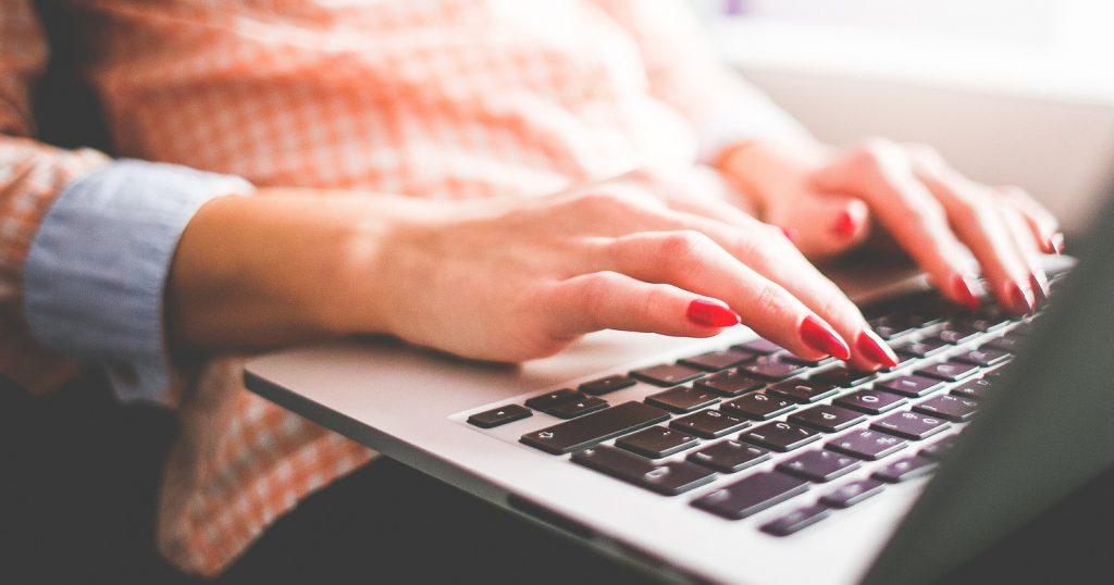 Папина мотивация: каждому члену семьи по ноутбуку