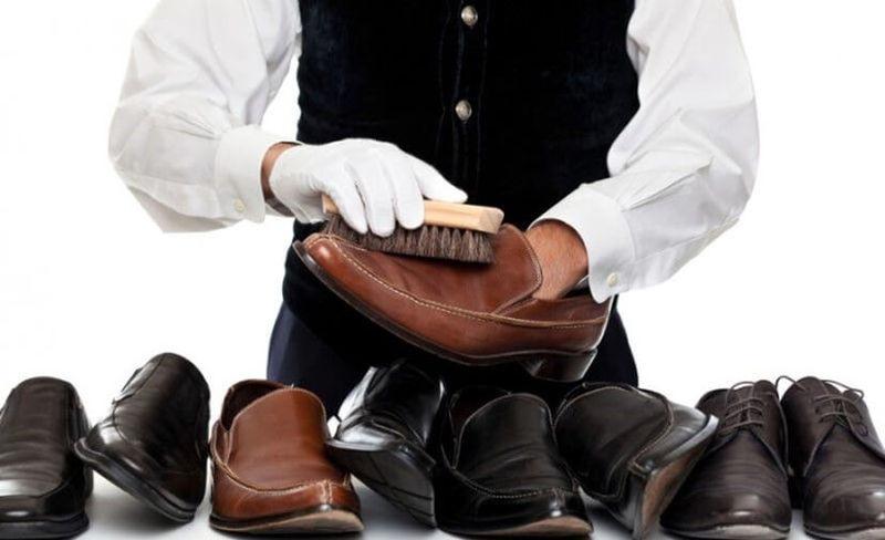 Как чистить обувь из разных материалов