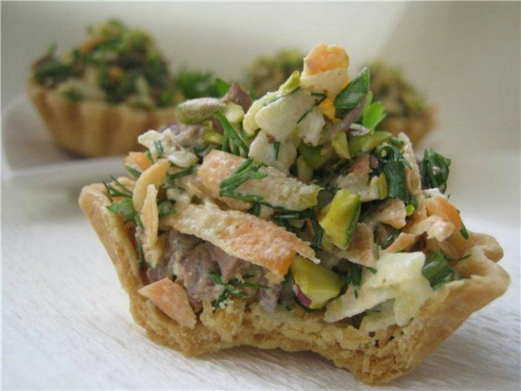 Корзиночки с мясным салатом. Мама как вкусно!!! Мужики налетай!!!