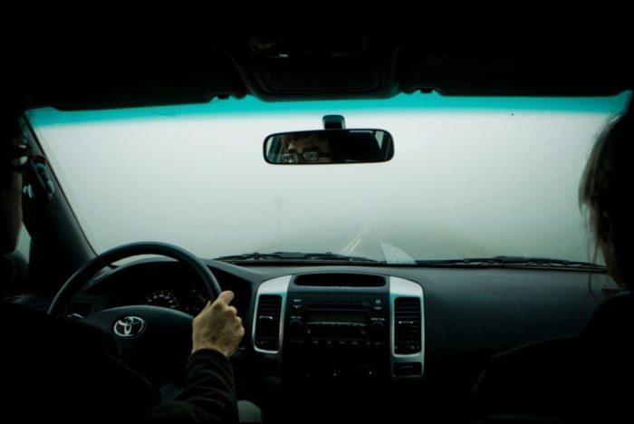 Как справиться с запотевшими окнами и влажностью в салоне автомобиля