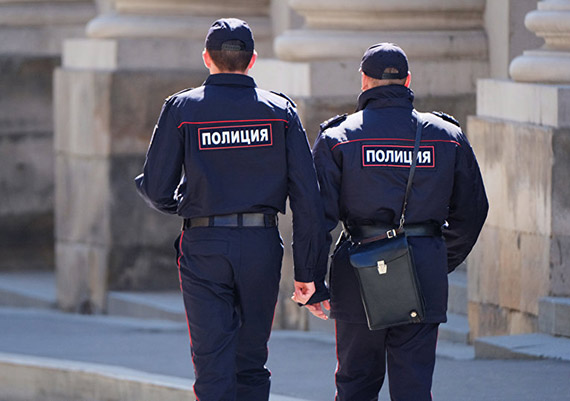 Российским полицейским разрешили отдыхать в Таджикистане и еще 12 странах