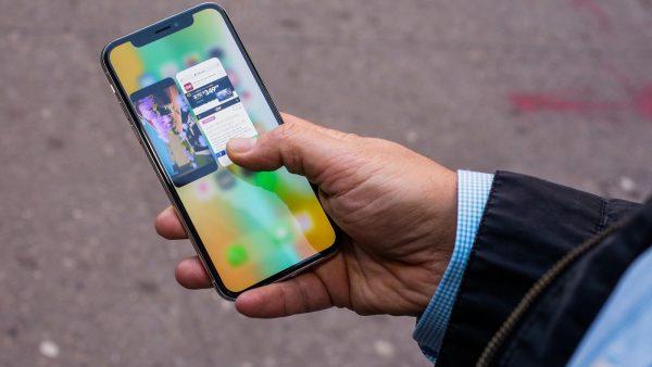 Почему iPhone X плохо продается и что компания представит осенью