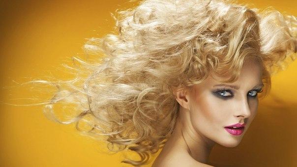 СЕКРЕТЫ КРАСОТЫ. Осветляем волосы на два-три тона с помощью корицы
