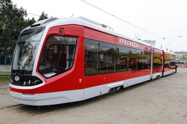 В Восточное депо Краснодара прибыл первый трехсекционный трамвай 71-931 «Витязь»