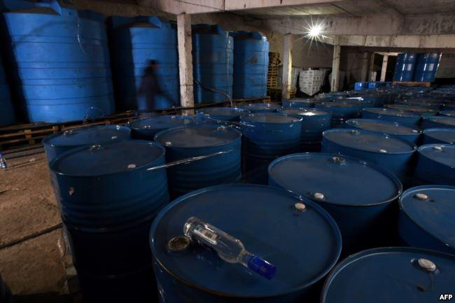 Подпольное производство водки под Москвой, обнаруженное в ноябре 2016 года