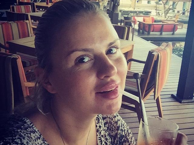 Анна Семенович удивила поклонников фотографией без макияжа