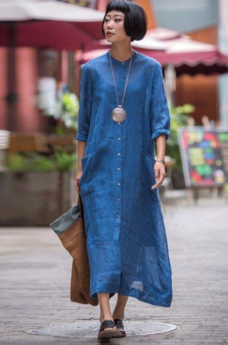 Платье-рубашка на улицах города