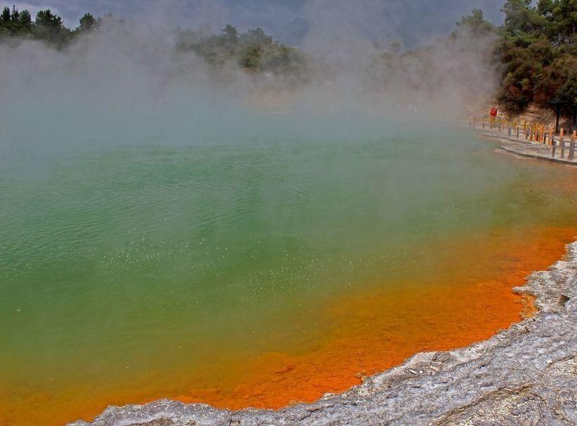Роторуа в Новой Зеландии: священная долина маори с удивительными кипящими озерами