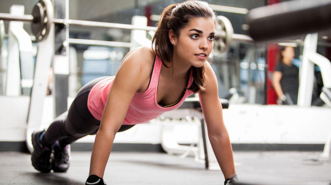 Бери и делай: 4 упражнения, с которых нужно начинать каждое утро