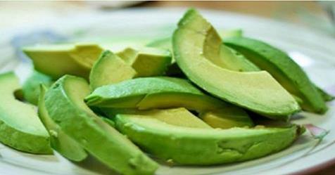 Не зря авокадо считается самым полезным фруктом в мире: узнай почему!