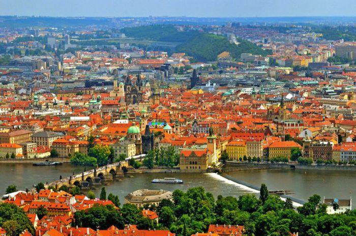 Уютный европейский город с уникальной архитектурой.