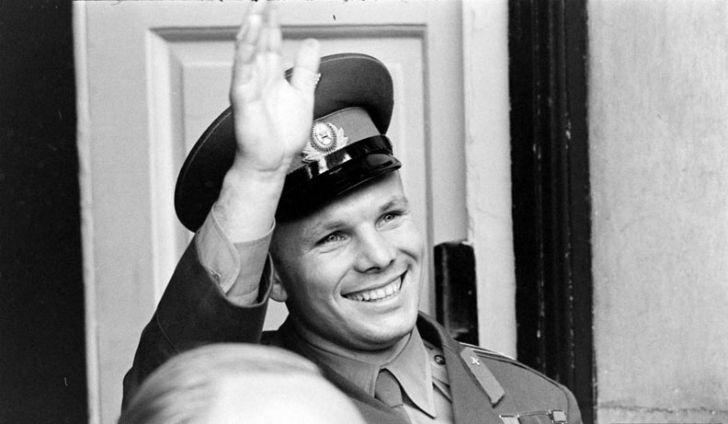 55 лет назад Юрий Гагарин стал первым человеком, совершившим космический полет вокруг Земли