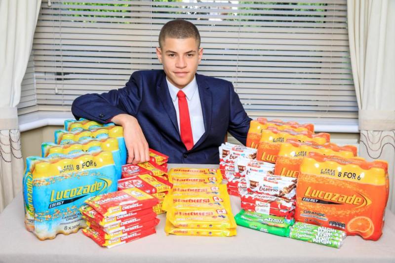 Сладкая империя в школьных туалетах: как 15-летний британец зарабатывает тысячи фунтов