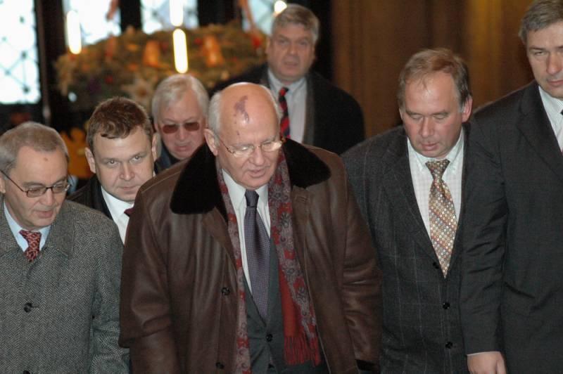 Горбачёв не понимает, почему…