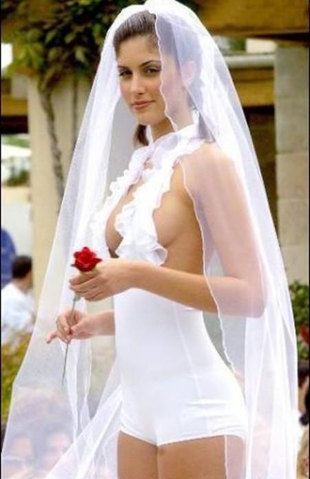 20. Кто-нибудь возражает против этого брака? Все, все присутствующие. невесты, свадебное платье