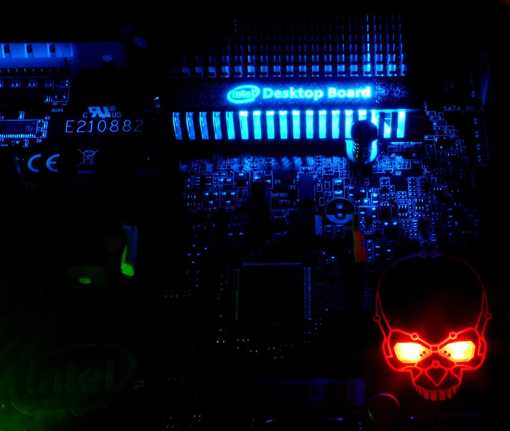 «Огромная дыра» в процессорах Intel