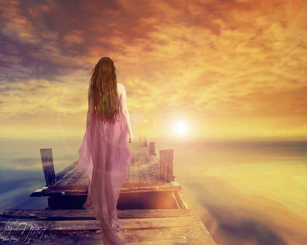 Картинки по запросу фото грустная девушка в розовом платье