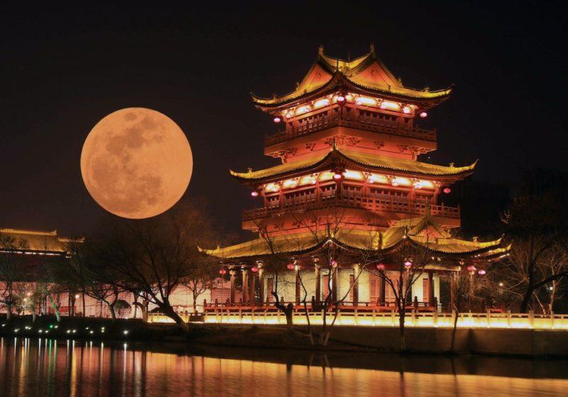 В Китае хотят создать искусственную луну