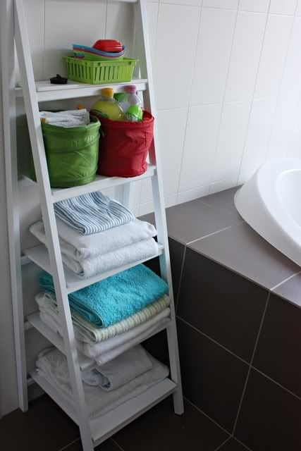 practical-bathroom-storage-ideas-60
