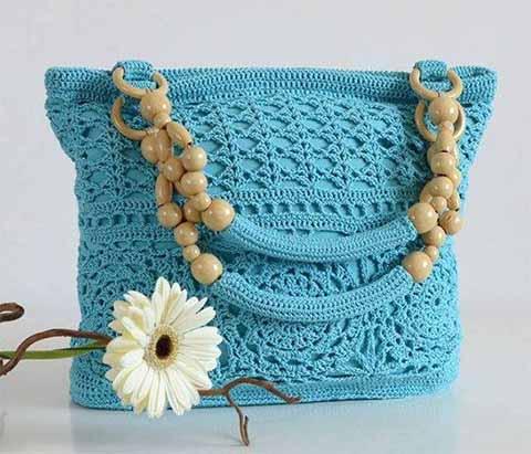 Красивая сумка ажурными узорами