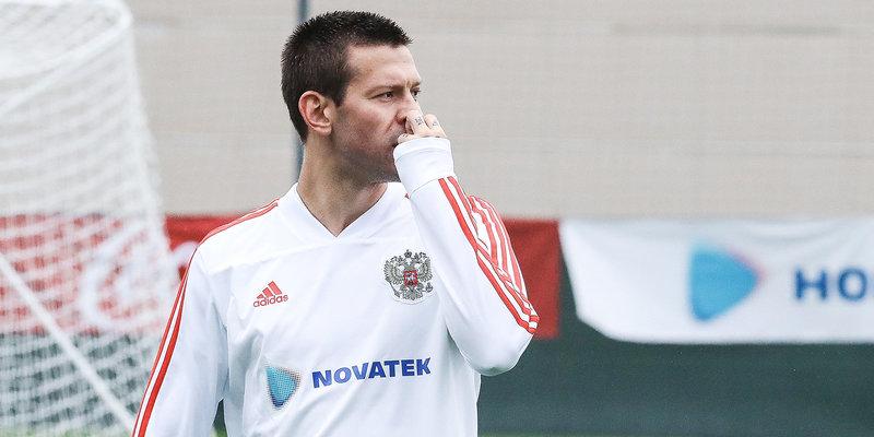 Смолов получил ушиб на тренировке сборной России