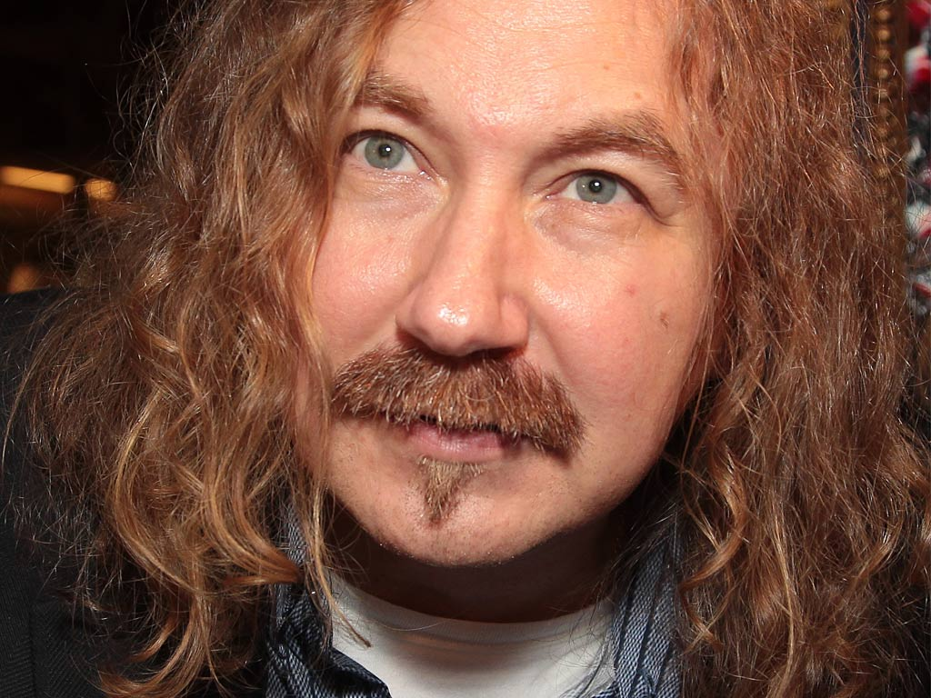 Вы видели Игоря Николаева без усов?!