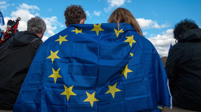 ЕС потратит миллионы на российскую демократию