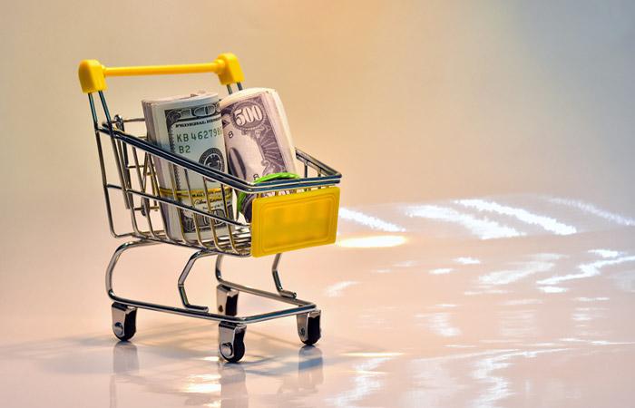 Чистый вывоз капитала частным сектором из РФ в январе-апреле вырос до $21 млрд