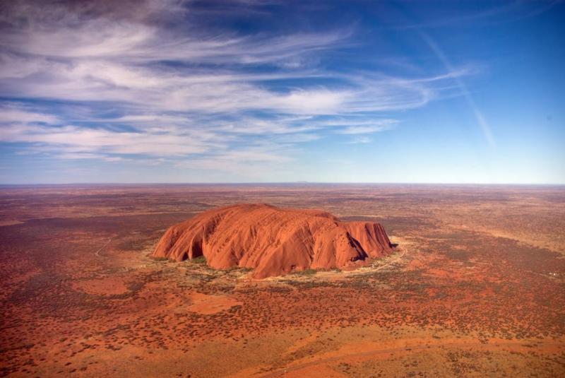 Подъём на гору Улуру в Австралии